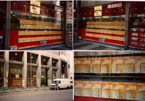 """La vetrina di """"Marco"""", in piazza San Babila a Milano, tappezzata di Internet On-Line, a dimostrazione che è stata la rivista più trend del febbraio 1995."""